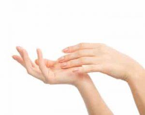 הצערת כפות ידיים נשים